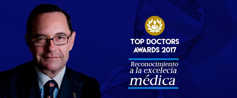 RECONOCIMIENTO A LA EXCELENCIA MÉDICA: DR. CARLOS LEAL